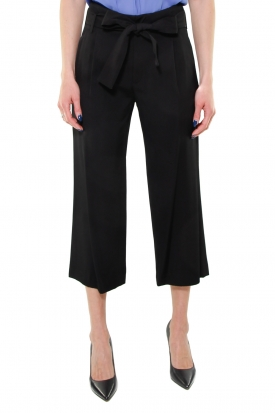 PANTALONE CROPPED GAMBA LARGA IN TWILL, NERO