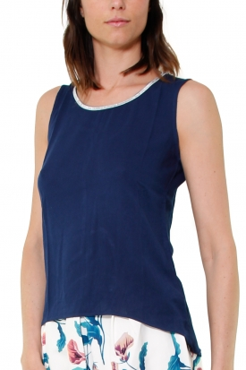 TOP SMANICATO IN GEORGETTE DI VISCOSA, BLU